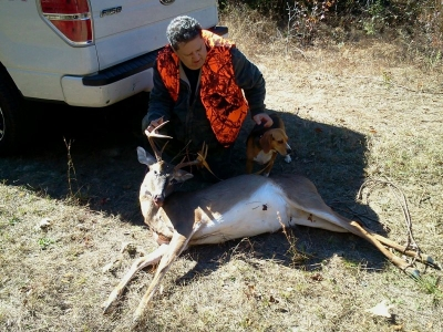 november2013-button-buck-8-point-2-3eab69561a0b6d1790967c80cf9fd2c6d36ef52a